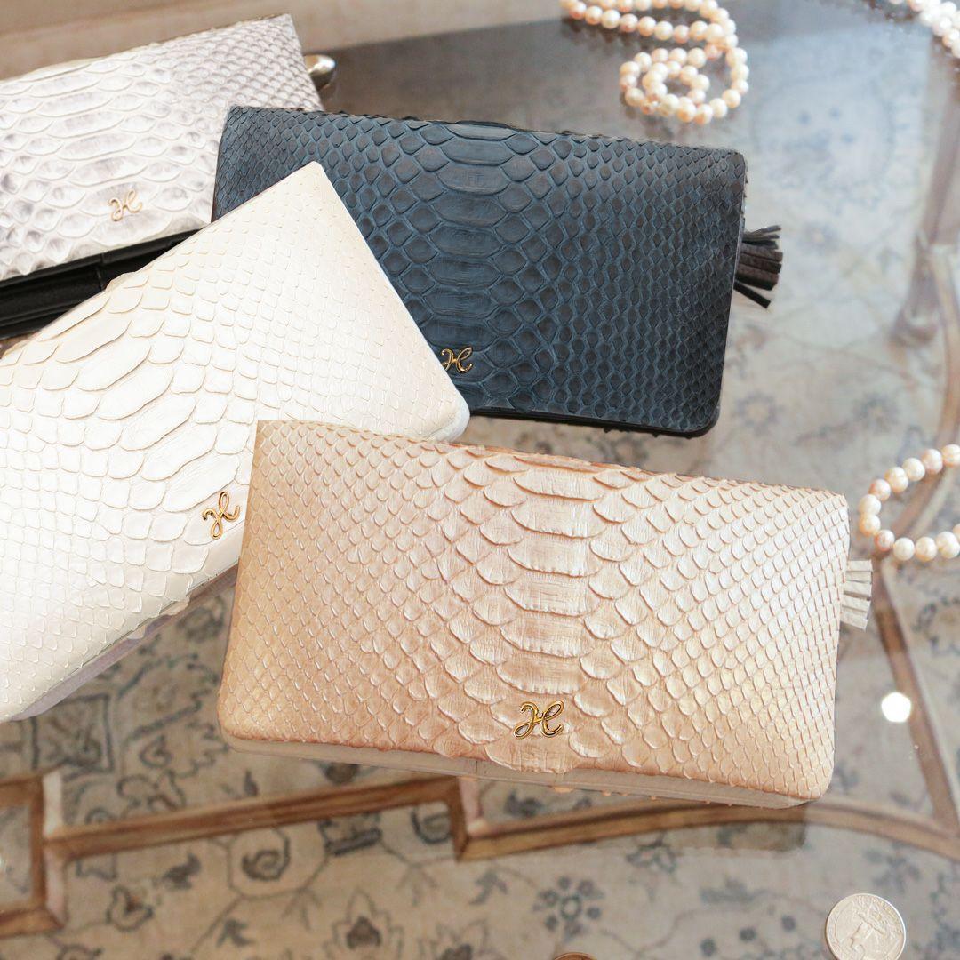 個性的で美しい模様が魅力の蛇革(パイソン)財布 傳濱野 リュフカ パイソン